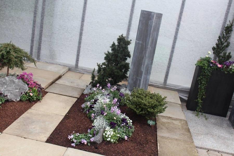 658f2b42a5.jpg (900×600) | Grab | Pinterest Grabgestaltung Ideen Blumen Pflanzen Deko